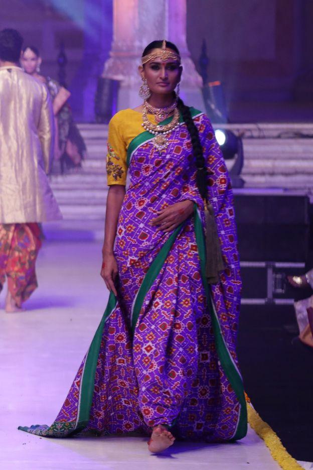 PATAN PATOLA | gaurang | DESI RUNWAY | Indian wedding ...