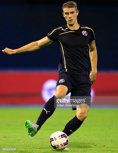 482220838-jozo-simunovic-of-fc-dinamo-zagreb-in-action-gettyimages.jpg (458×594)