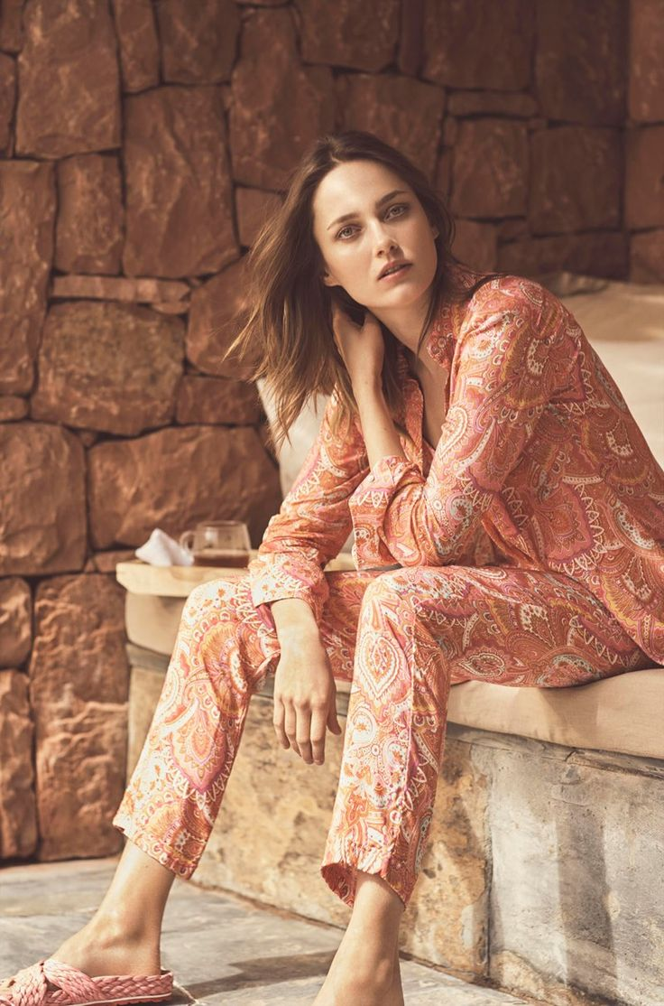Karmen Pedaru embraces paisley prints from Zara Home's latest Beachwear collection