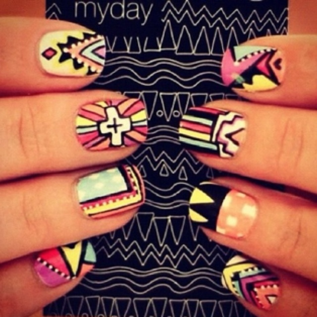 Hipster: Nails Art, Cute Nails, Nails Design, Tribal Nails, Nails Polish, Tribalnail, Tribal Prints, Tribal Patterns, Aztec Nails