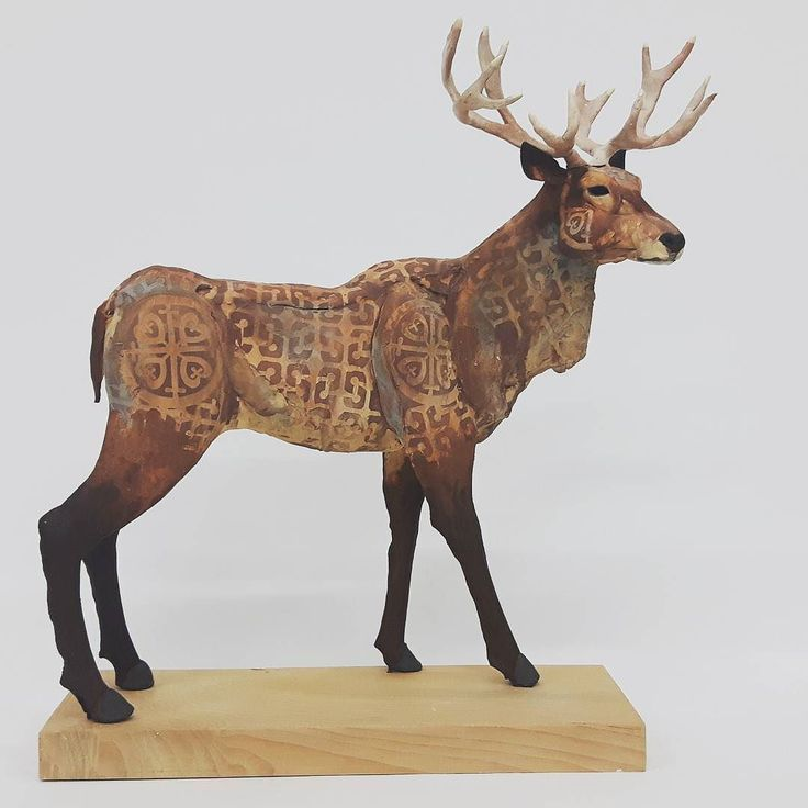 I'm going to miss this chap hanging around the studio. He's off to a new home soon... resisting pun based wordplay! #jamesort #clayanimals #clay #ceramics #ceramicanimals #stag #scarva #deer  #antlers #sculpture