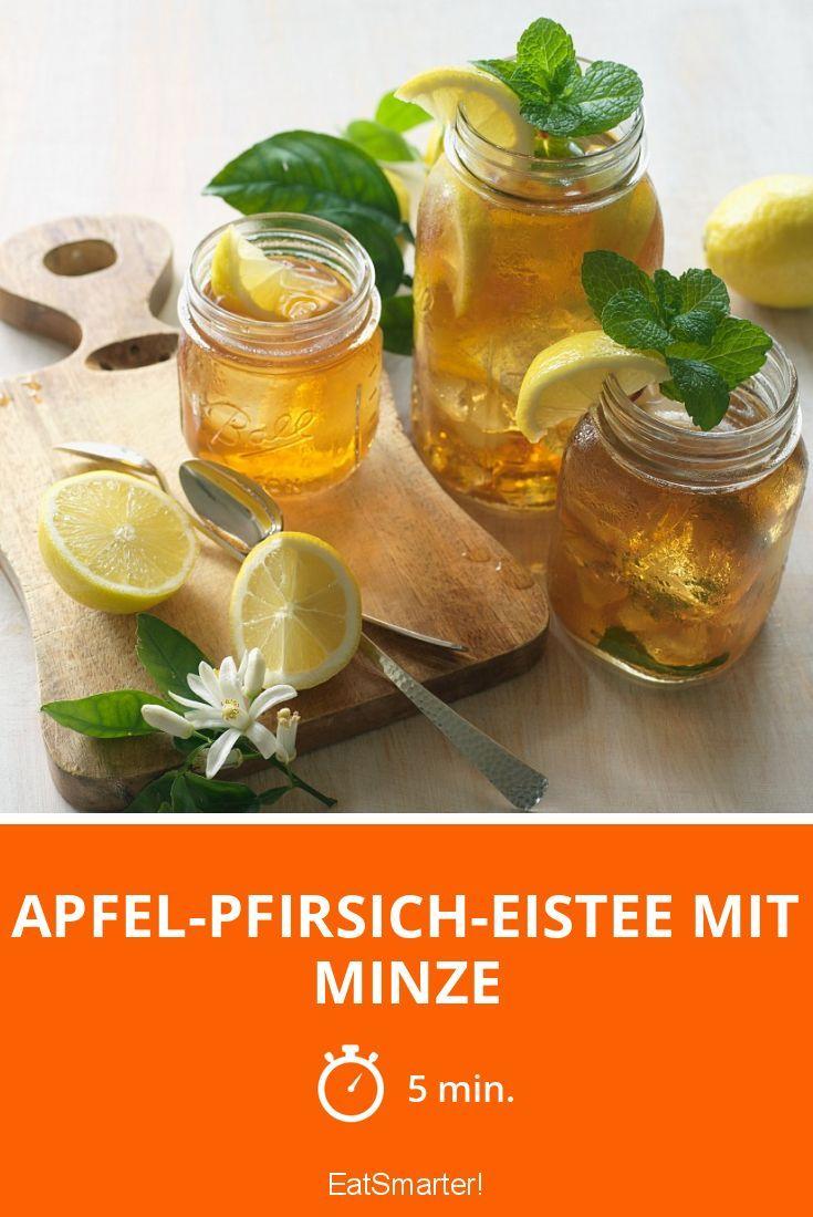 Apfel-Pfirsich-Eistee mit Minze