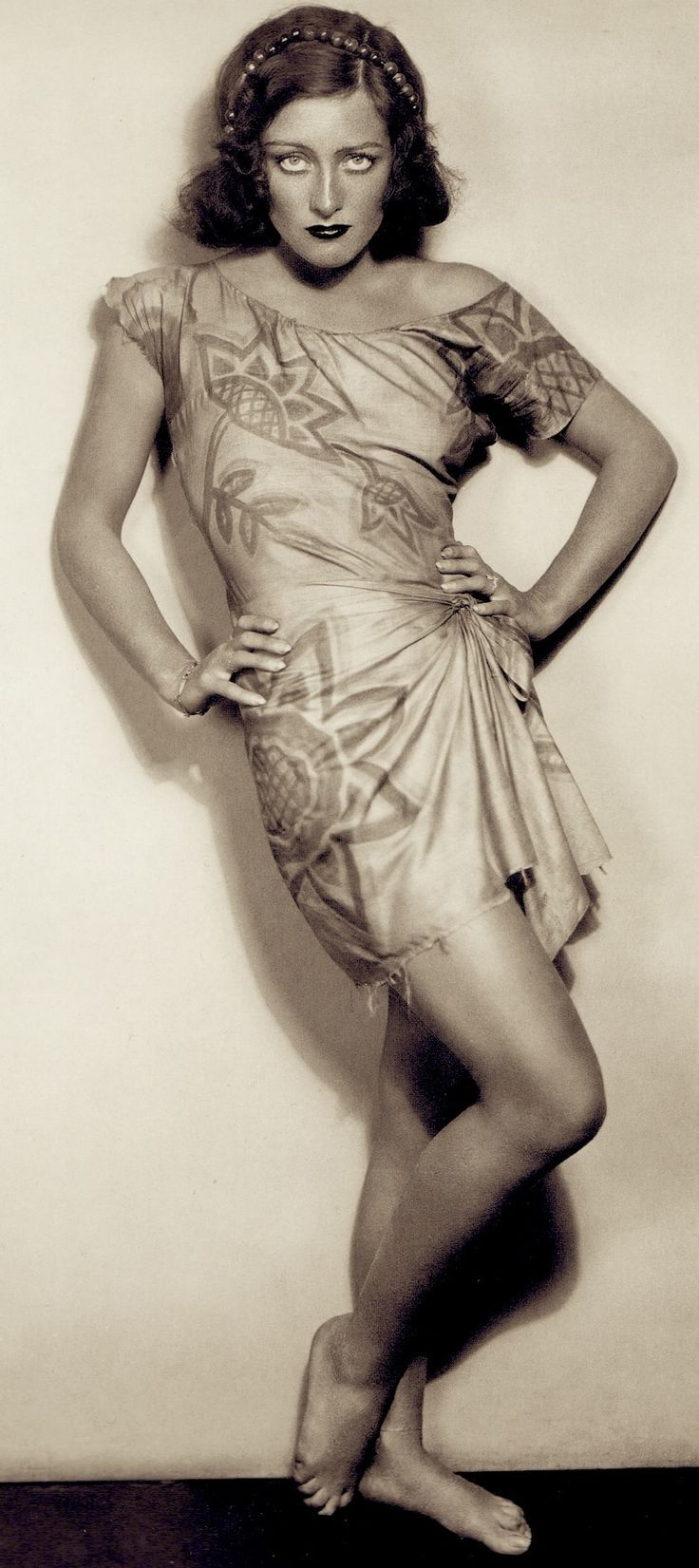 JOAN CRAWFORD 1930 from Joan Crawford The Enduring Star by Peter Cowie. (minkshmink)