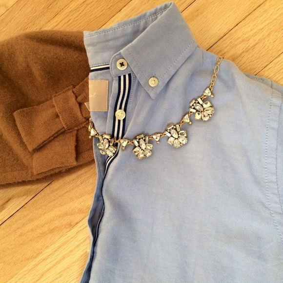BR Oxford Shirt Banana Republic Women's Oxford Shirt. Size Small. Never worn. The BEST basic top you can own. Blue and white detailing down button line. 100% Cotton. Banana Republic Tops Button Down Shirts