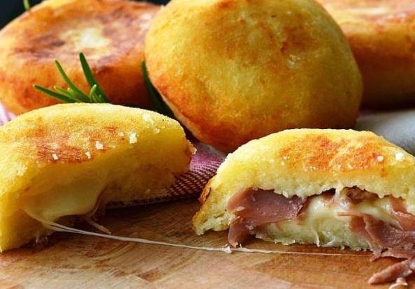 Μπομπάκια+πατάτας+γεμιστά+με+τυρί+και+ζαμπόν