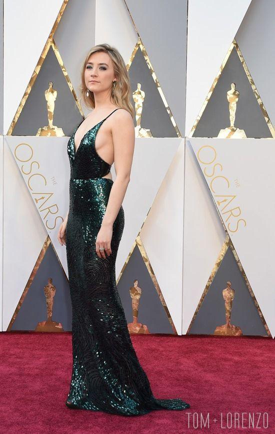 Saoirse-Ronan-Oscars-2016-Red-Carpet-Fashion-Calvin-Klein-Tom-Lorenzo-Site (5)