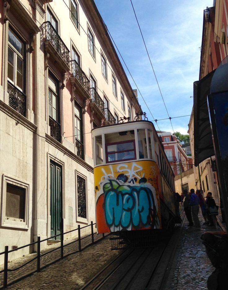 Portugal- Lisboa: El funicular.