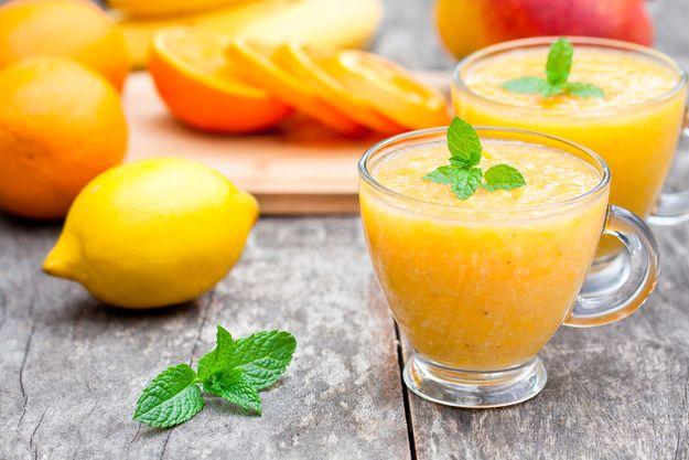 Боремся с авитаминозом: 30 соков и смузи для отличной весны
