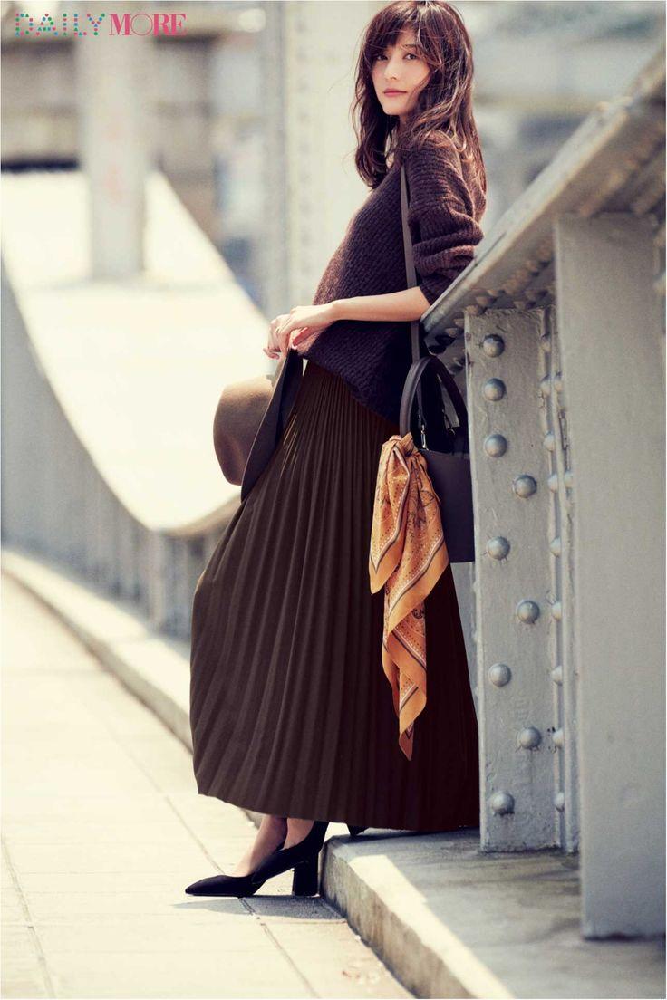 【今日のコーデ/佐藤ありさ】秋コーデをアップデートしたい水曜日は大人顔プリーツスカートで!   ファッション(コーディネート・流行)   DAILY MORE