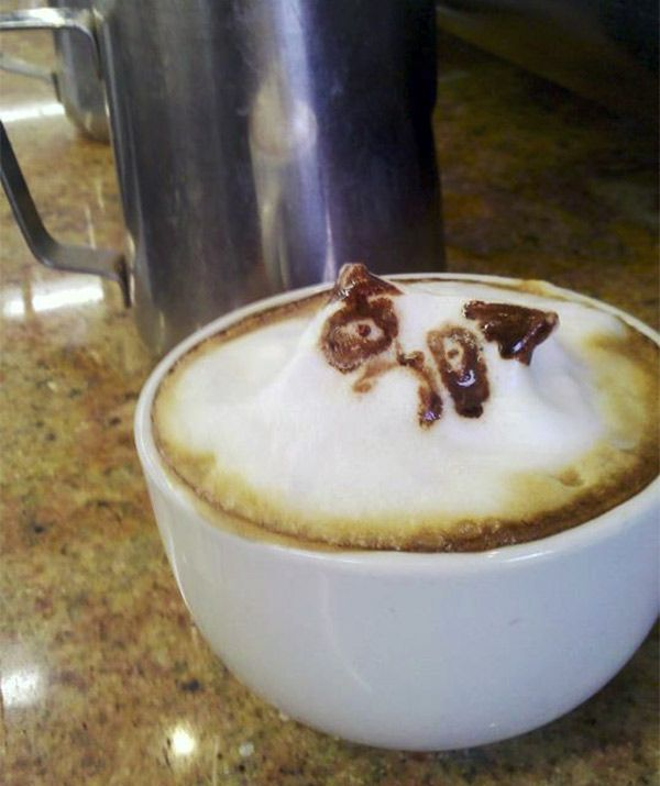 how to make pictures on coffee foam