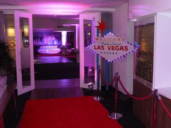 1000 Ideas About Vegas Decorations On Pinterest Casino