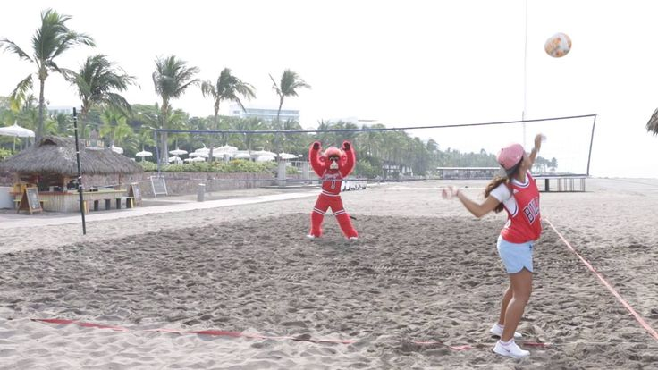 It's currently 21 degrees in Chicago. Here's how you can get out of the cold and into a warm, sunny resort in Mexico - and who knows, maybe you'll even see Benny The Bull on the volleyball court:  Bulls.com/VidantaResortsGetaway
