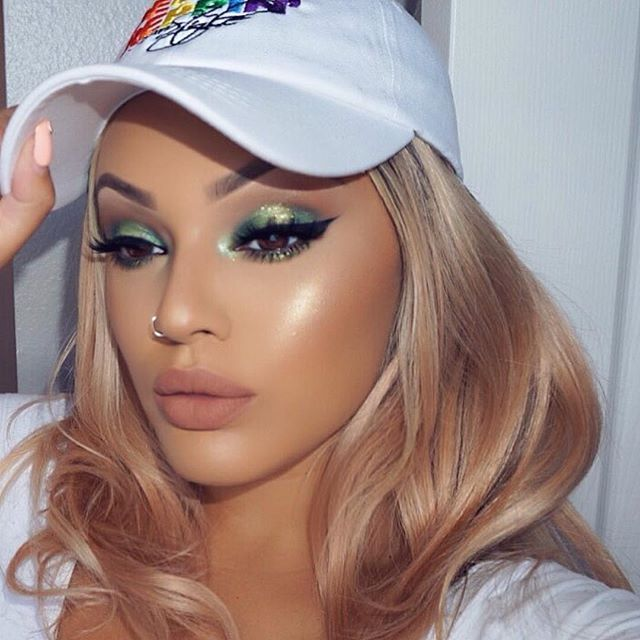 @viva_glam_kay is a total babe in #sugarpill Mint Soda eyeshadow!