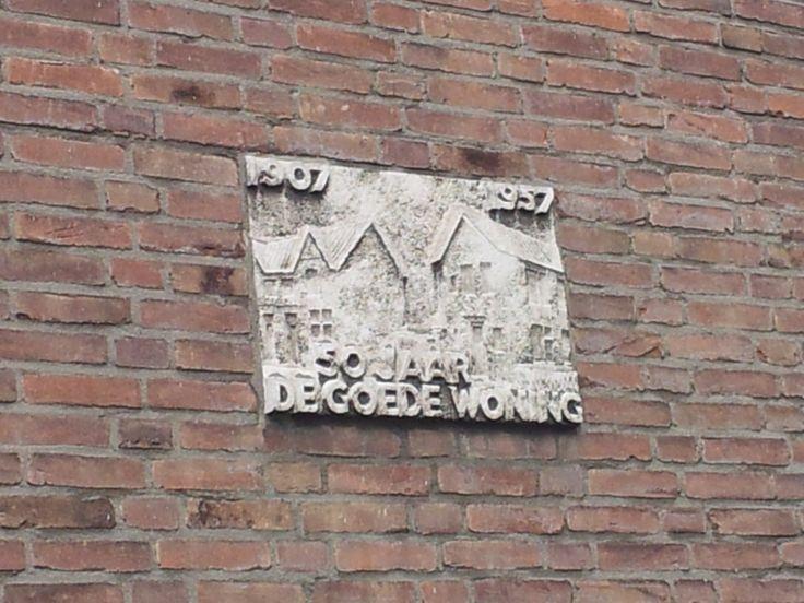 van Miereveltlaan naast 35 - hoek Vermeerstraat