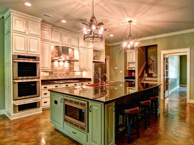 Love the green and it would look beautiful with some red for New orleans style kitchen