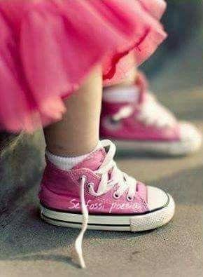 Quando la vita ti mette in ginocchio, fai finta di allacciarti le scarpe! ....  Da Twitter