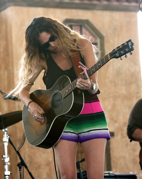 Shelly Colvin Photos - Singer/songwriter Shelly Colvin performs onstage during day 3 of 2014 Stagecoach: California's Country Music Festival at the Empire Polo Club on April 27, 2014 in Indio, California. - 2014 Stagecoach California's Country Music Festival - Day 3
