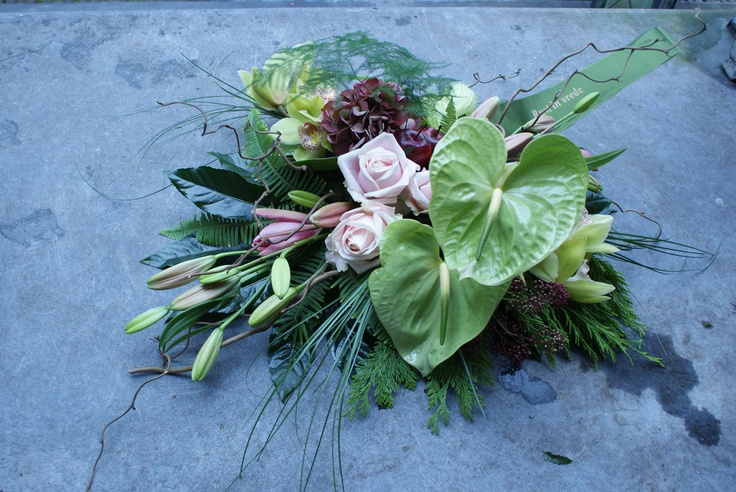 Bloemwerk van Bloematelier Fleur & Geur. Anthurium, graf