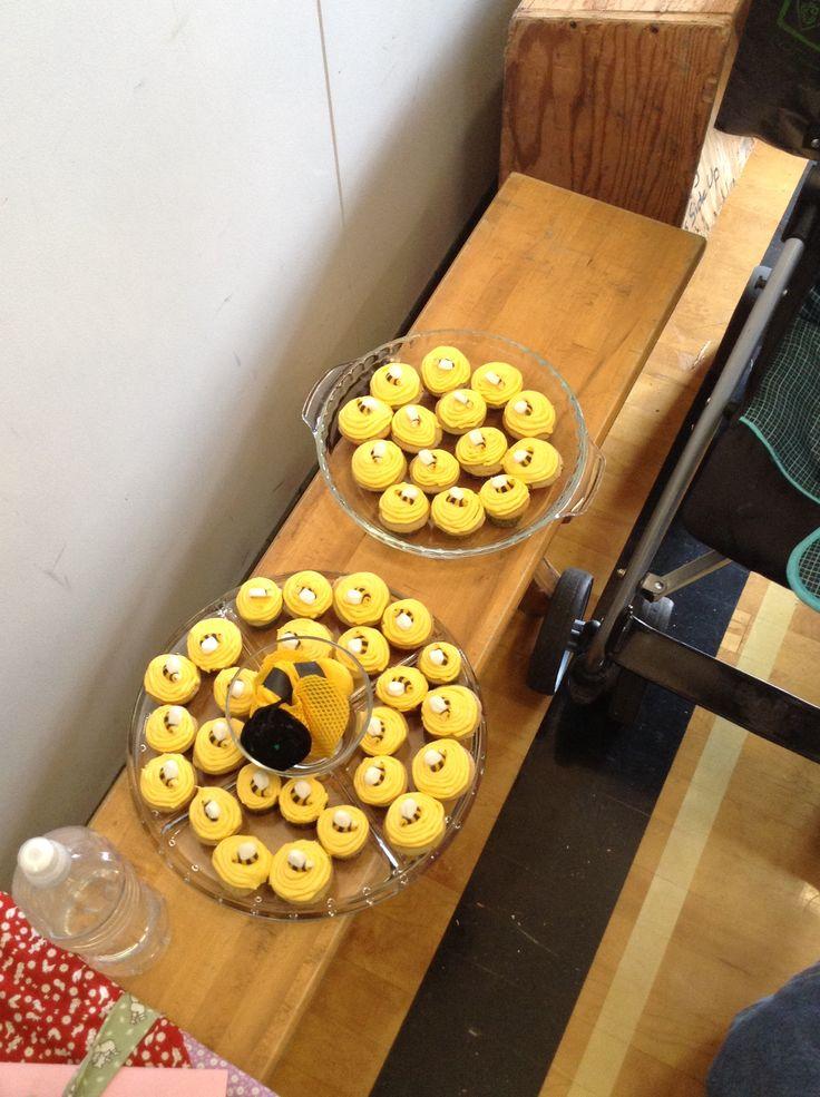 Bee cupcake mini