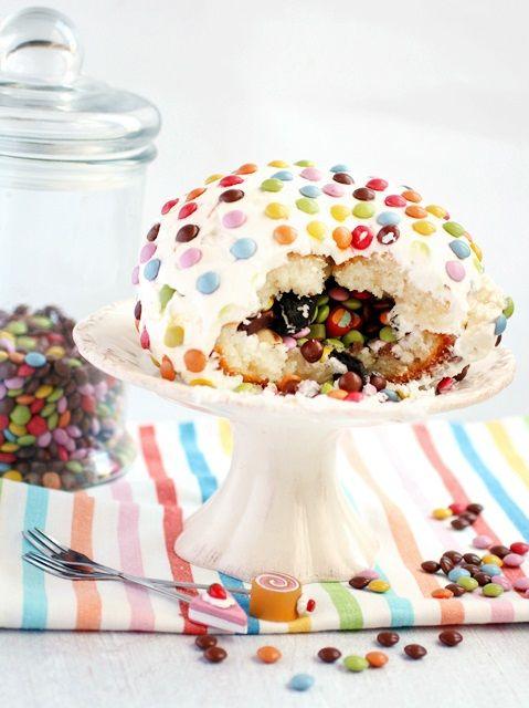 Ciasto Pinata - Pinata cake | Cukrowa Wróżka