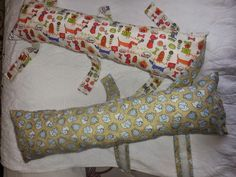 2 cortes de tecido de : 64 x 20 cm  6 cortes de tecido de : 21 x 11 cm   3 cortes de velcro de : 14 cm.  enchimento      acompanhe todo o...