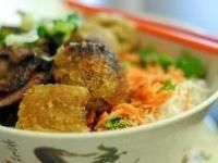 Bun Thit Nuong: Maine Dishes Rice Beans Grains, Lights Lunches, Thit Nuong, Bbq Pork, Noodles Bowls, Rice Noodles, Buns Thit, Noodles Dishes, Noodles Vietnam