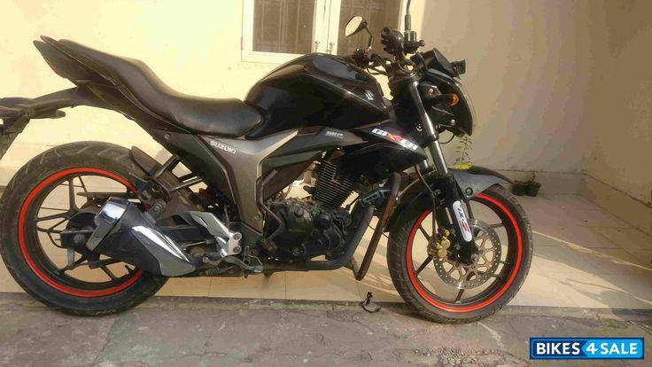 Black Suzuki Gixxer 150