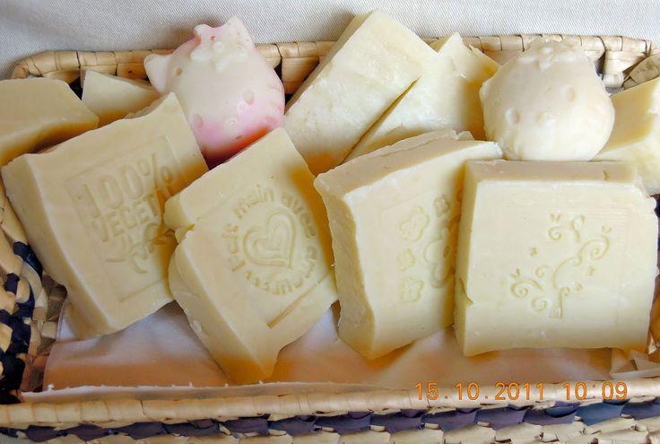 Per ottenere un sapone con determinate caratteristiche bisogna bilanciare e miscelare i vari tipi di grassi.  Fatta esclusione per l'olio di...