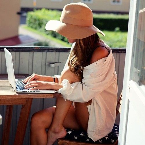 So cute! Casual around the house, lazy comfy outfit. Loose fitting slouchy button down and big floppy sun hat. beach day