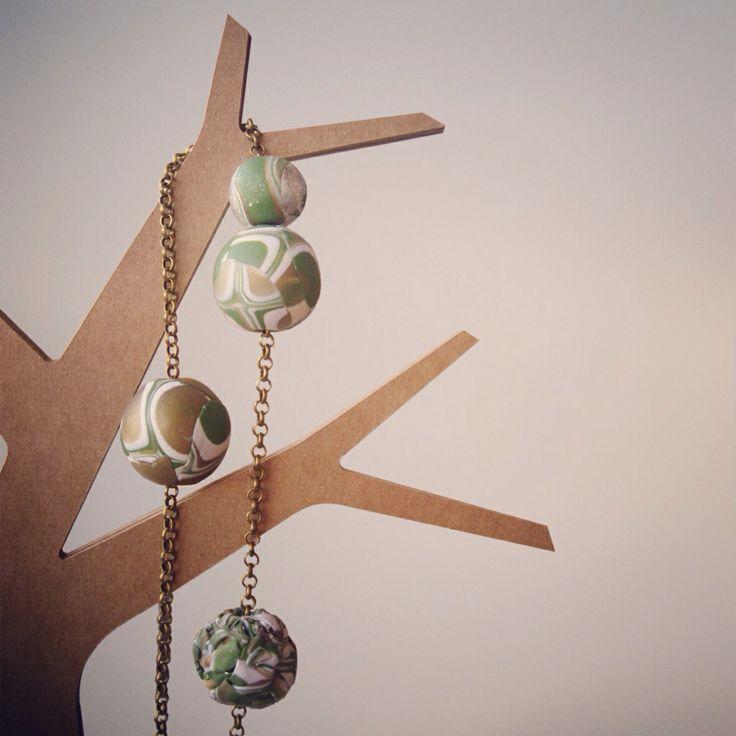 #polymer clay, #complementos fimo y sculpey. Cadena de bronce. Aplicaciones swarovsky. www.sofiasthings.com