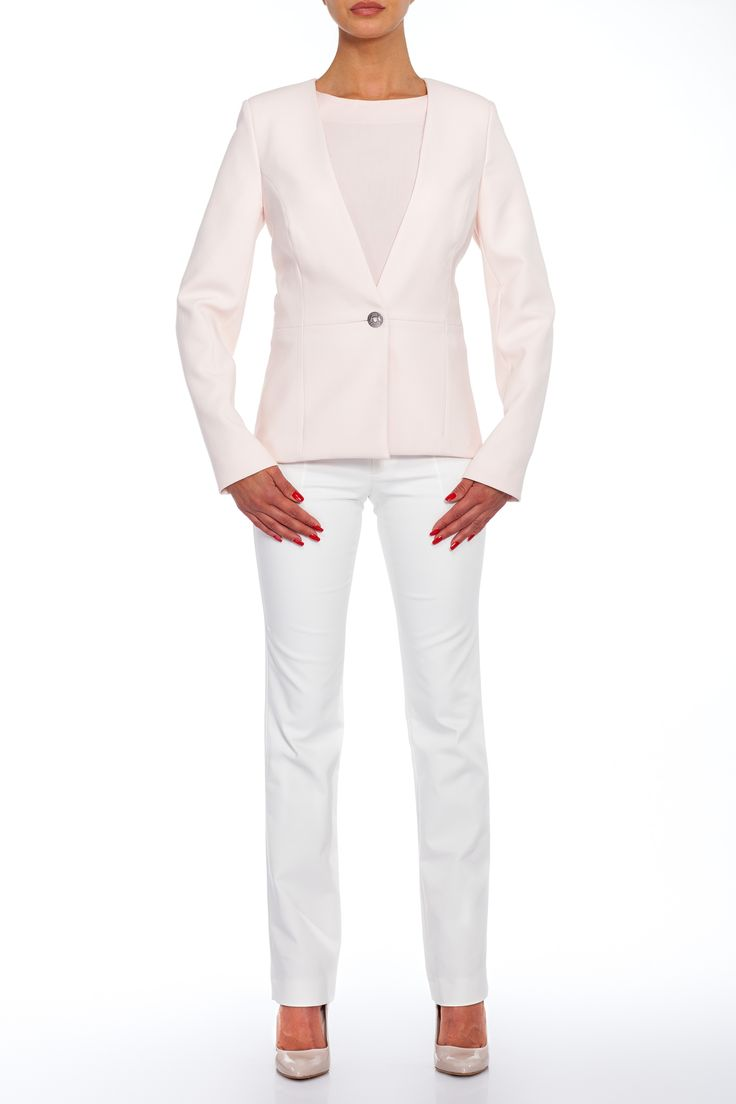 Perfect business look ss2015 - Fitted white jacket with long pants and classic pumps