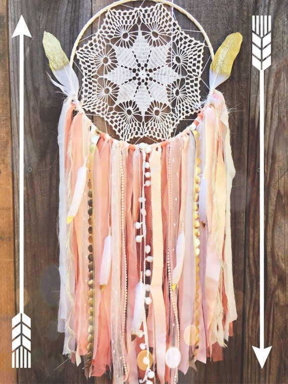 Pfirsich, Koralle, Creme & Gold Glitter Feder Shabby Chic Spitzen häkeln Deckchen Boho Zigeuner Dreamcatcher / / Baby Nursery/Hochzeit Dekor