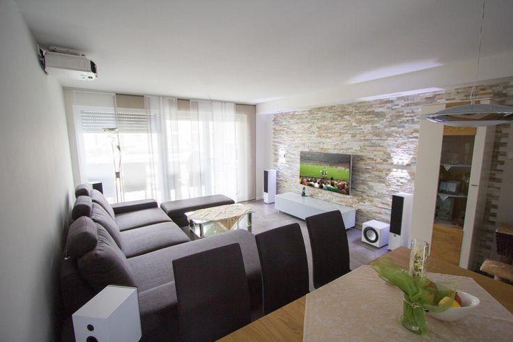 TV, Beamer und Boxen unsichtbar machen Living room inspiration - beamer im wohnzimmer