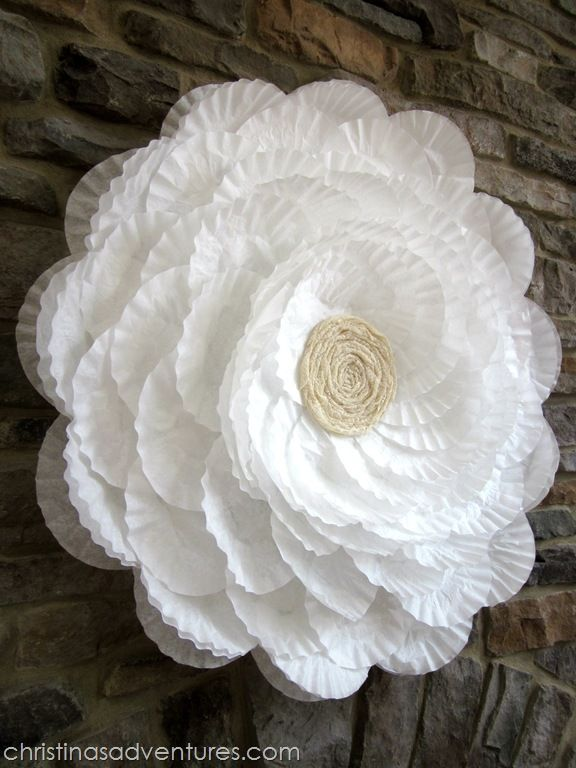 GIANT coffee filter flower tutorial - the base is a hula hoop! Perfect for showers & party decor