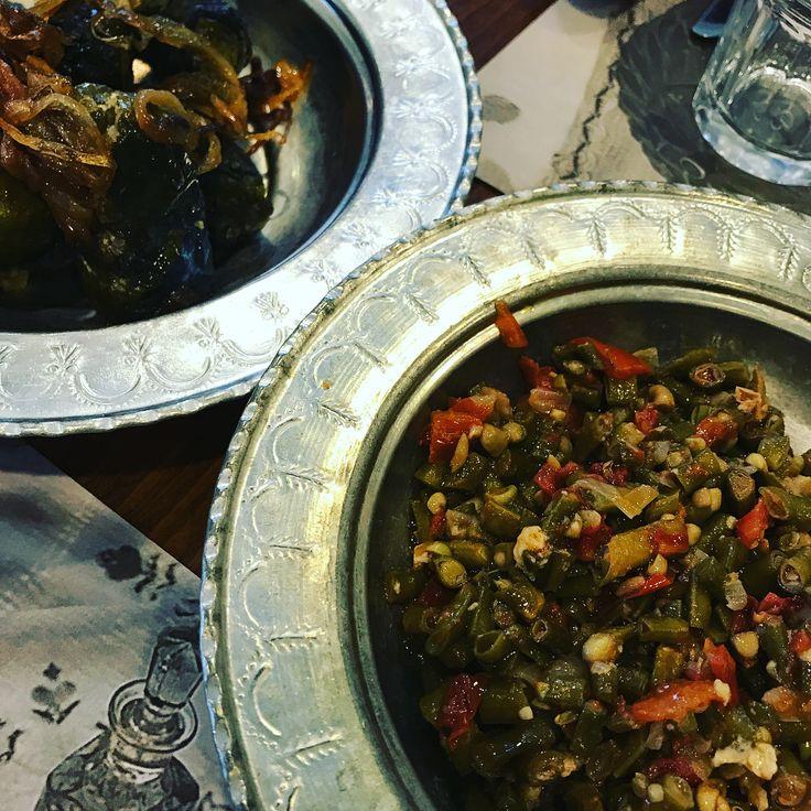 """36 Likes, 1 Comments - Clean.Eating.101 (@clean.eating.101) on Instagram: """"Yemeklerine doyamadığım @ciyasofrasi'ndan meze tabağı, börülce ve lorlu sarma. Lorlu sarmayı çok…"""""""