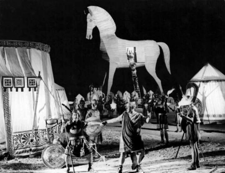 """Macario (Erminio Macario, the first from the left) in Mario Mattoli's """"Adamo ed Eva"""" (English title: """"Adam and Eve"""", 1949), also starring Isa Barzizza."""
