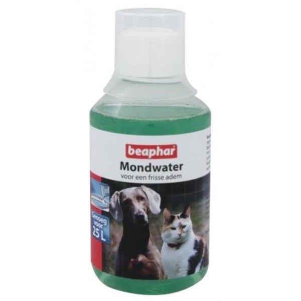 Mondwater gaat de vorming van tandplak tegen bij hond en kat en zorgt voor een frisse adem.