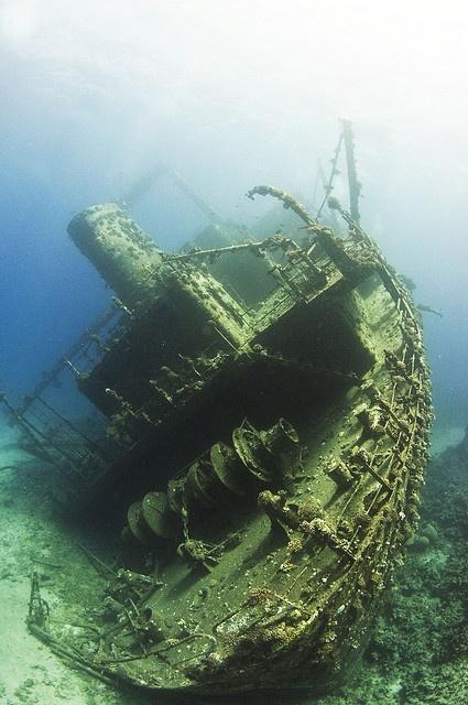 underwater shipwreck • the Red Sea ? • Egypt? • sailing ship high seas • riawati