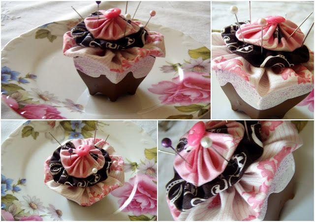 ΧΕΡΙΩΝ ΕΡΓΑ: Cupcake pincushion (μαξιλαράκι για καρφίτσες) !