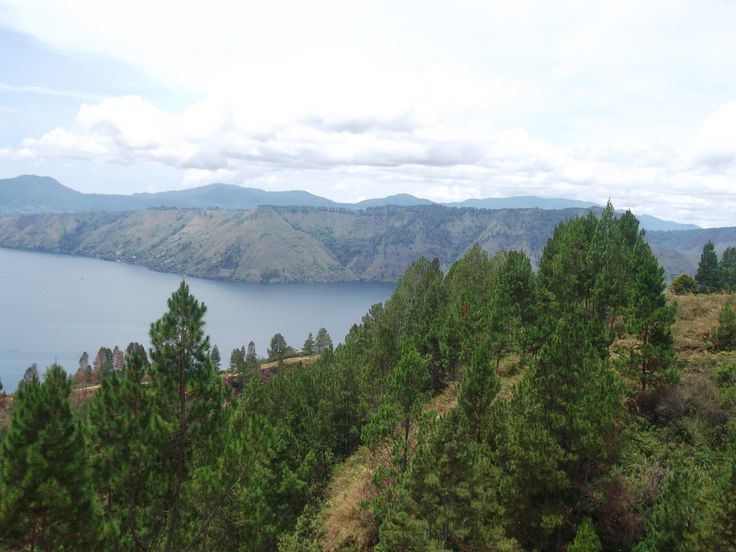 Gw dh disini w/ #yayuk #opung thanks a lot of for all, miss you.. Danau Toba di Simalungun, Sumatera Utara