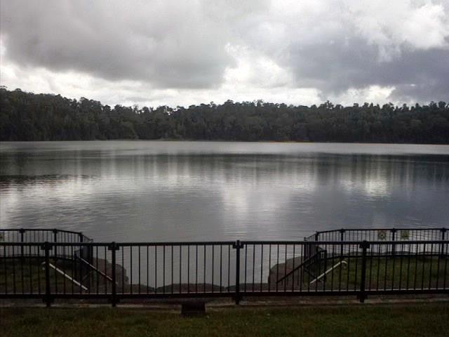 Lake Eacham 2