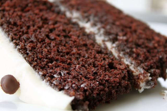 A Bountiful Kitchen: Amy's Bakery Black and White Cake