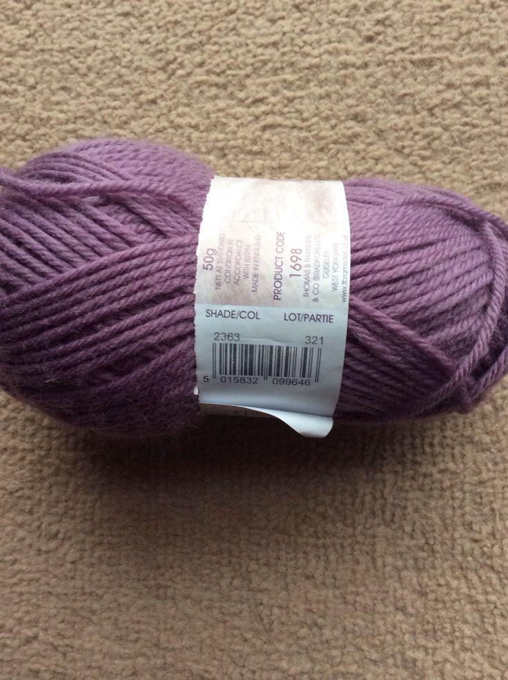 Wendy 100% merino. Colour 2363, lot 321.