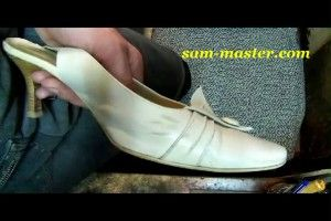 Как убрать черные полосы на обуви