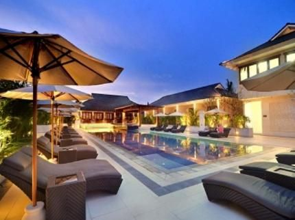 With an established reputation as the 'high end' of Bali, Seminyak is a boutique shopping and day spa capital.