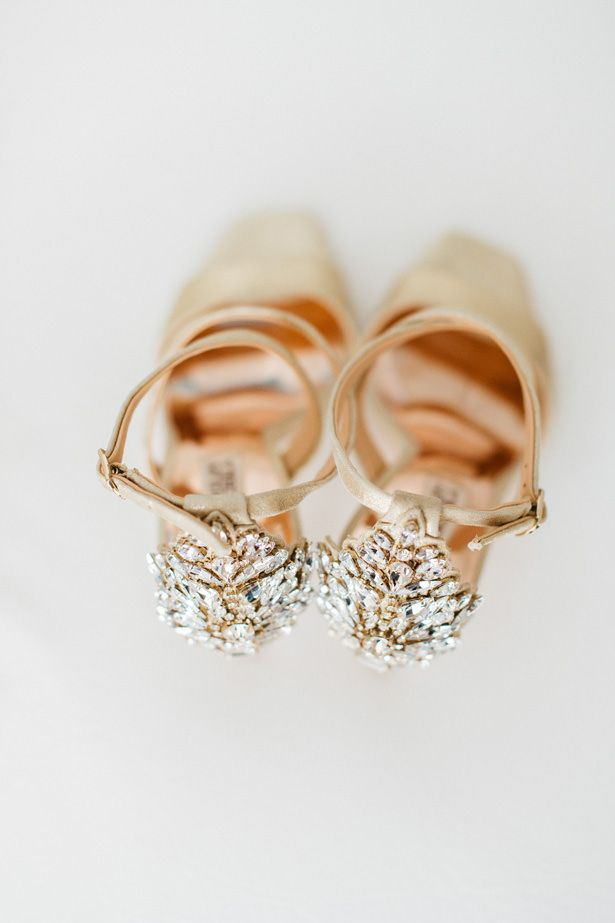 110b643a3a06  shoesaddict  heels  shoes  weddingshoes  gold  weddingplanning  weddings   weddinginspiration  weddingideas See more of this glamorous brunch wedding  in ...