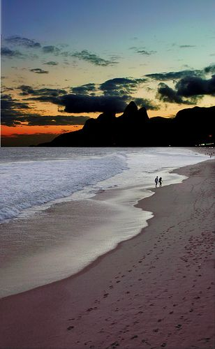 Entardecer na praia de Ipanema, Rio de Janeiro, Rj, Brasil.