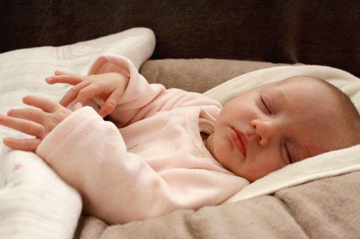 Nounou de nuit : Caroline, la Mary Poppins des bébés