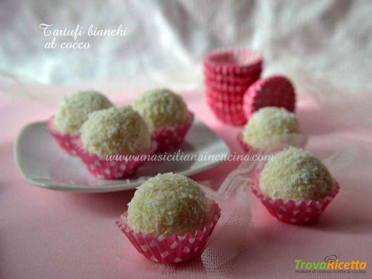 Tartufi bianchi al cocco senza cottura  #ricette #food #recipes