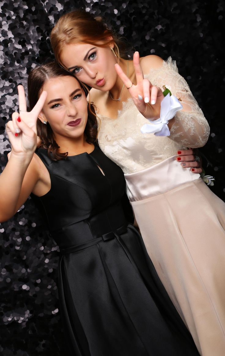St Kent's School Ball 2017. Peace and pout!